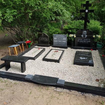 9. Kapu labiekārtošana, kapu sētiņa, kapu piemineklis, kapu apmale.