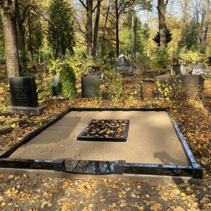 13. Kapu labiekārtošana, kapu sētiņa, kapu piemineklis, kapu apmale.