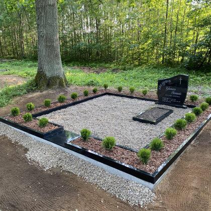 3. Kapu labiekārtošana, kapu sētiņa, kapu piemineklis, kapu apmale.